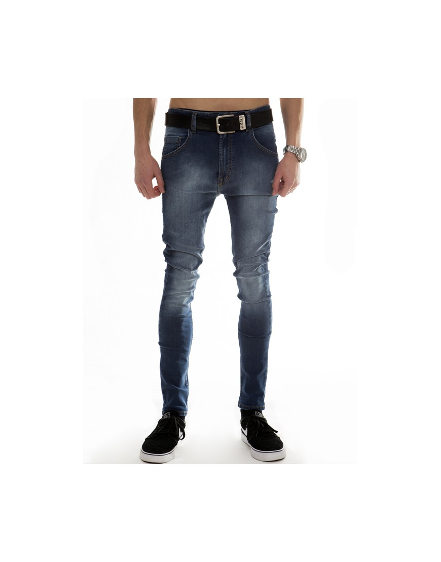 ESSENTIAL BLUE JEANS